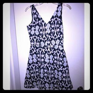 NWT GAP  dress. Blue pattern. Size 0
